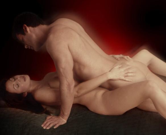 Секс в классической позе очень красиво